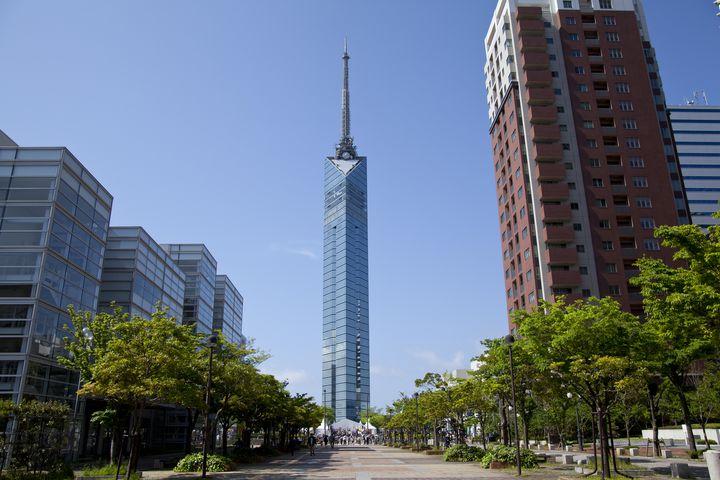 大パノラマも楽しめるランドマークへ!福岡タワー周辺にある駐車場5選