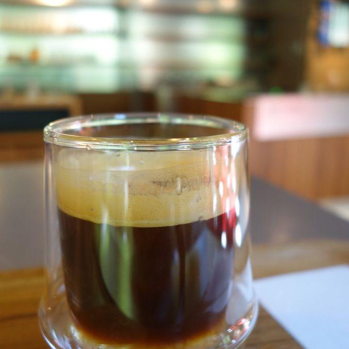 """コーヒー片手に大人時間。東京都内で""""特別な一杯""""が飲める7つのカフェ"""