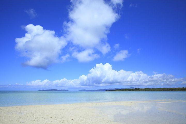 """まるで天国みたい!西日本の""""白い砂浜&透き通る海""""を楽しめるビーチ9選"""