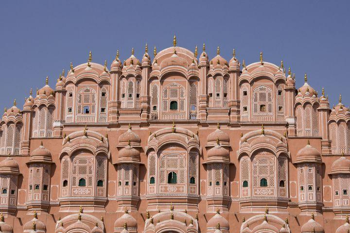 ピンク色の建物で統一!インドにある神秘的な街「ジャイプル」の魅力をご紹介