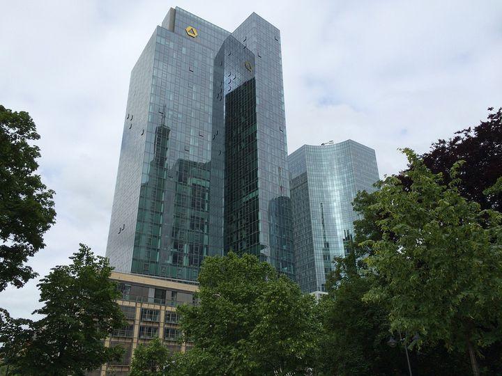 ドイツ・フランクフルトの摩天楼「コメルツ銀行タワー」がエコすぎる!