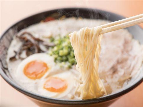 本物の博多豚骨ラーメンが味わえる!「博多一幸舎」が北海道にオープン