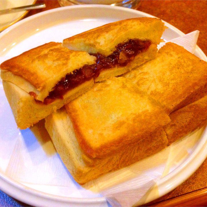 """しみ出るバターが最高!淡路町「ショパン」の""""あんプレス""""がどうしても食べたい"""