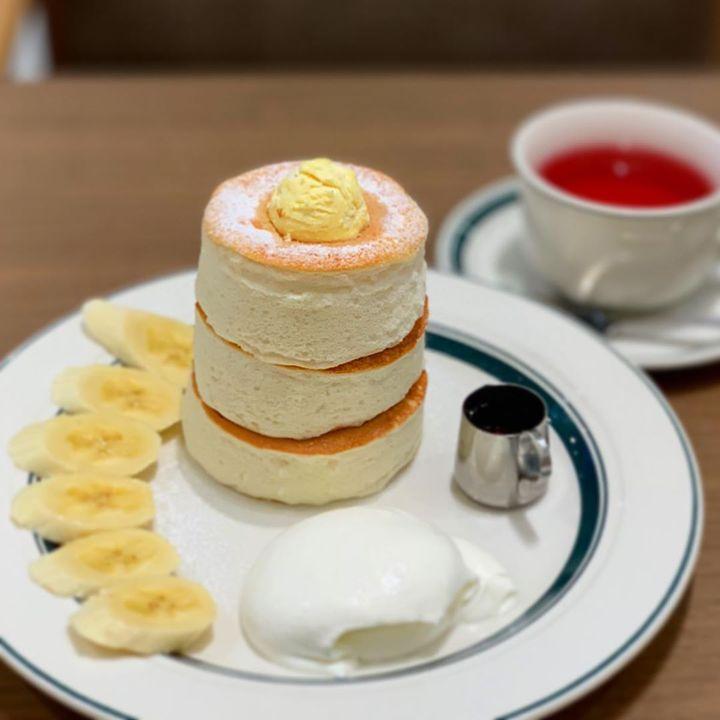 ふかふかな見た目に夢中!東京都内で「分厚いパンケーキ」が食べられる8つのお店