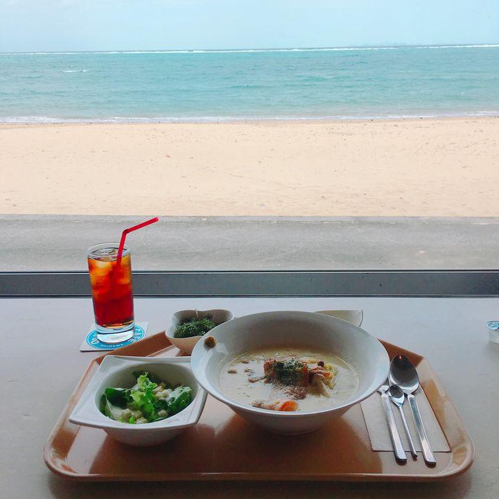 """冬の沖縄旅行にもってこい!沖縄本島の""""のんびりとした時間を過ごせるカフェ""""7選"""