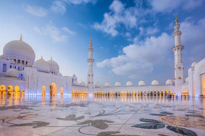 アラビアンナイトを感じたい!近未来都市アブダビのおすすめ観光地8選