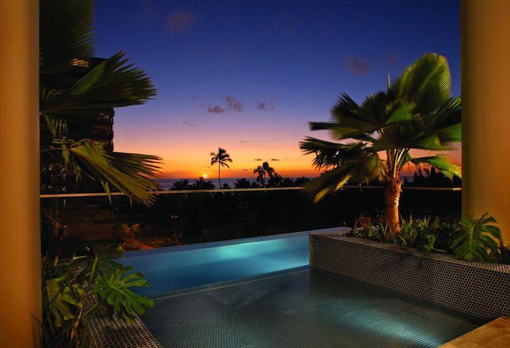 """これぞ大人のリゾート旅。""""ハワイの夜""""にしたい8つのことはこれだ"""