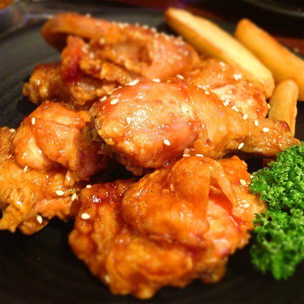 """サクサク食感がたまらない!新大久保で味わえるおすすめ""""韓国チキン""""7選"""