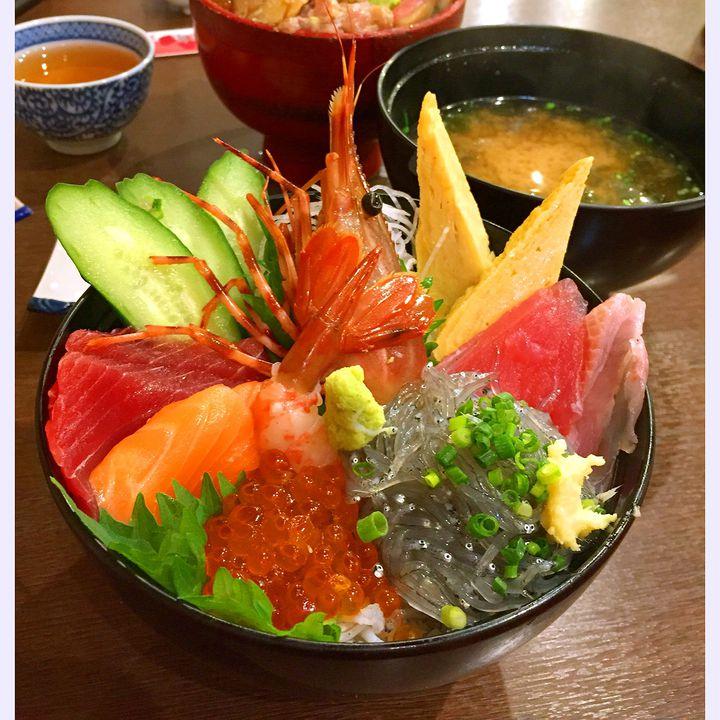 """食べてほしい海鮮丼、ココにあり!""""小田原のオススメ海鮮丼10選"""""""