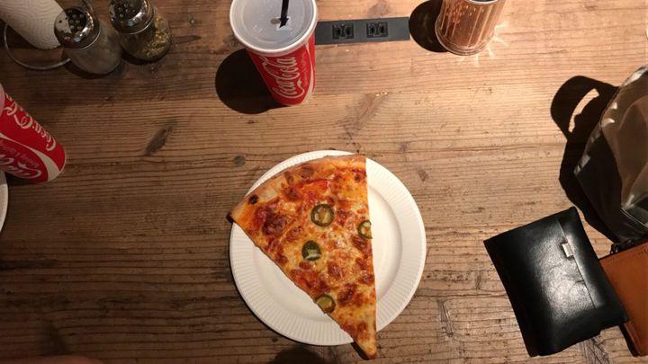 オシャレな人が集うピザ屋さん。南青山の「PIZZA SLICE2」にいきたい