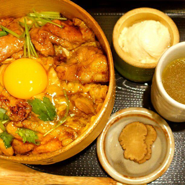 その一口は幸せのはじまり。あっという間に完食しちゃう、東京都内の絶品親子丼10選