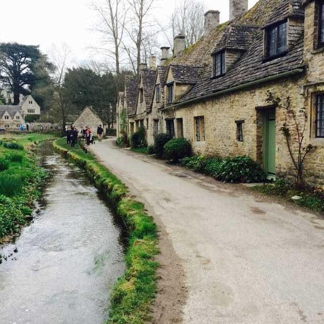 英国で最も美しい村も!まるで絵本の世界、コッツウォルズの人気観光地5選