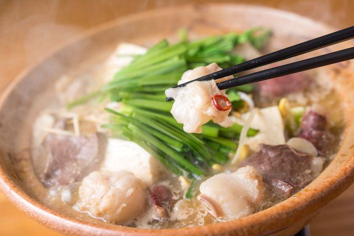 """訪れたら一度は食べたい地元グルメ!福岡で人気な""""絶品もつ鍋""""9選"""