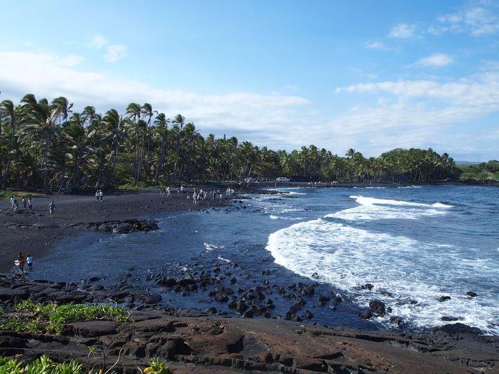 黒砂のビーチって?ハワイ島「ブラックサンドビーチ」が気になる