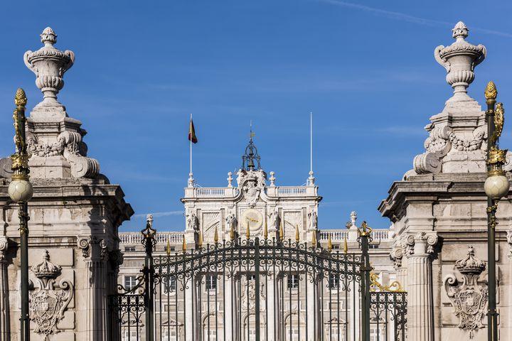"""行くならどっち?""""中心都市バルセロナvs首都マドリード""""人気7スポット"""