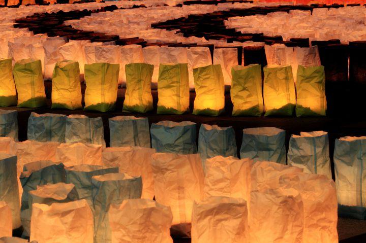 一夜限りの幻想的な景色。博多エリア一帯で「博多灯明ウォッチング」開催