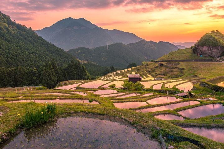 """異次元の美しすぎる景色。まるで""""絵画のような""""日本の絶景10選はこれだ"""