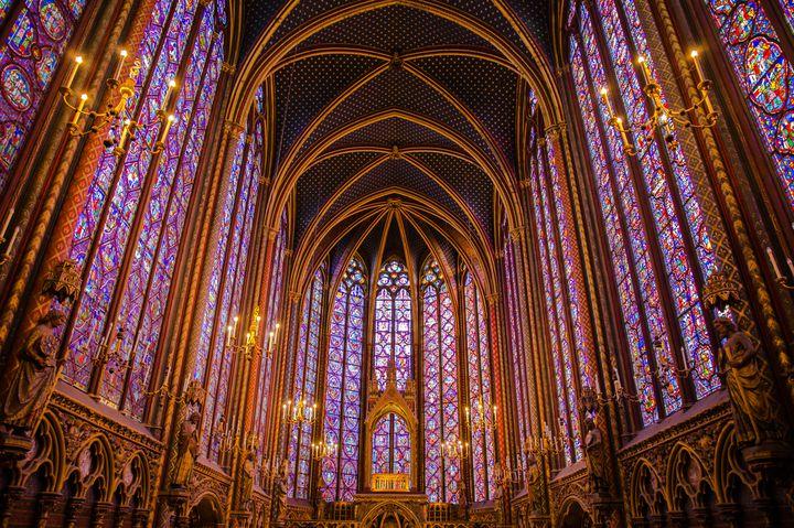 """はっと息をのむ美しさ。絶対に行くべき""""世界の神秘的な教会""""7選"""