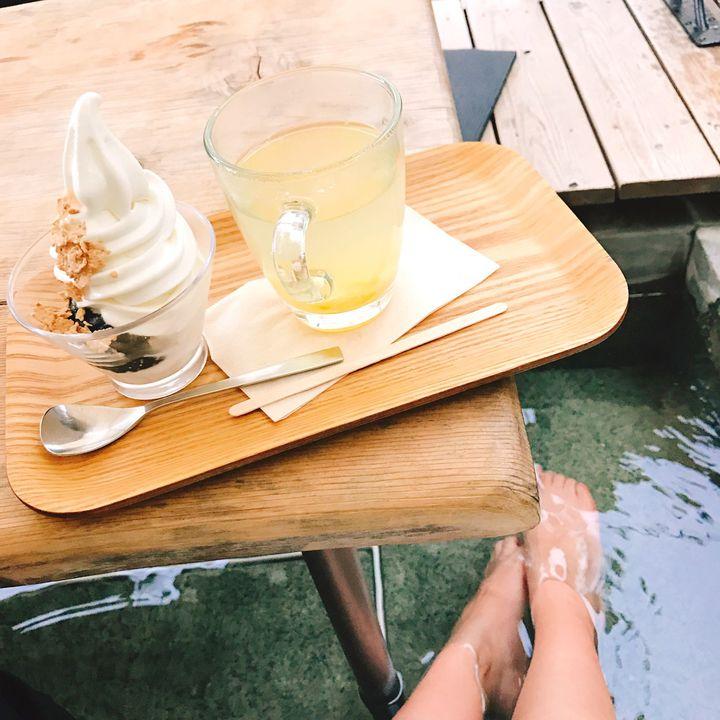 寒い冬にはあったかデート。東京近郊のほっこり「足湯カフェ」厳選7つをご紹介