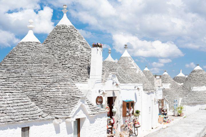 まるで童話の世界!とんがり屋根の白い村「アルベロベッロ」が可愛すぎる