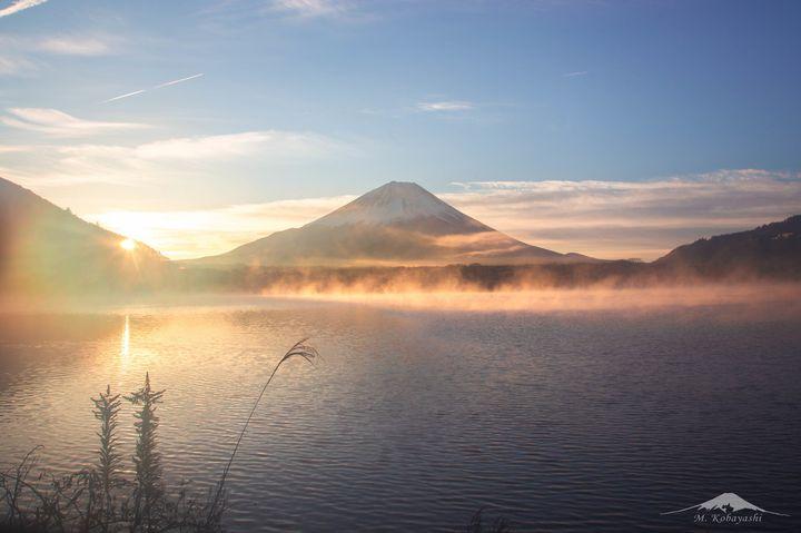 息を呑むほど美しい!日本のどこか神秘的な絶景が見られる湖8選