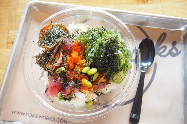 海鮮丼の常識を覆す!NYの海鮮丼「Poke Bowl」8選