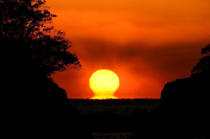 """幸せの夕日を見に行こう。だるま夕日が見れる""""宿毛市""""の観光スポット7選"""