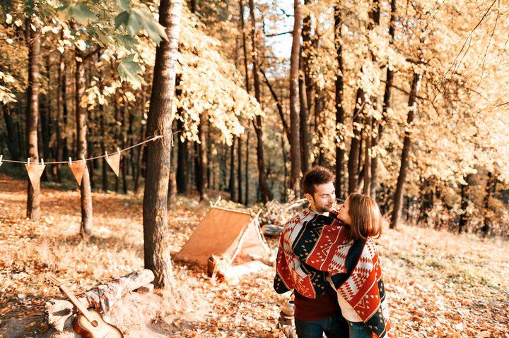 紅葉を見ながらゆったりと。東京都内のおすすめ公園&秋ピクニックでしたいことまとめ