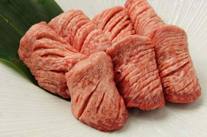 松阪牛が回る焼肉店!三重県にある「回転焼き肉一升びん」が気になる