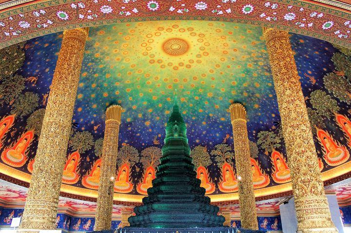 SNSで話題の新たな観光名所!タイ「ワットパクナム」は本当に綺麗だった