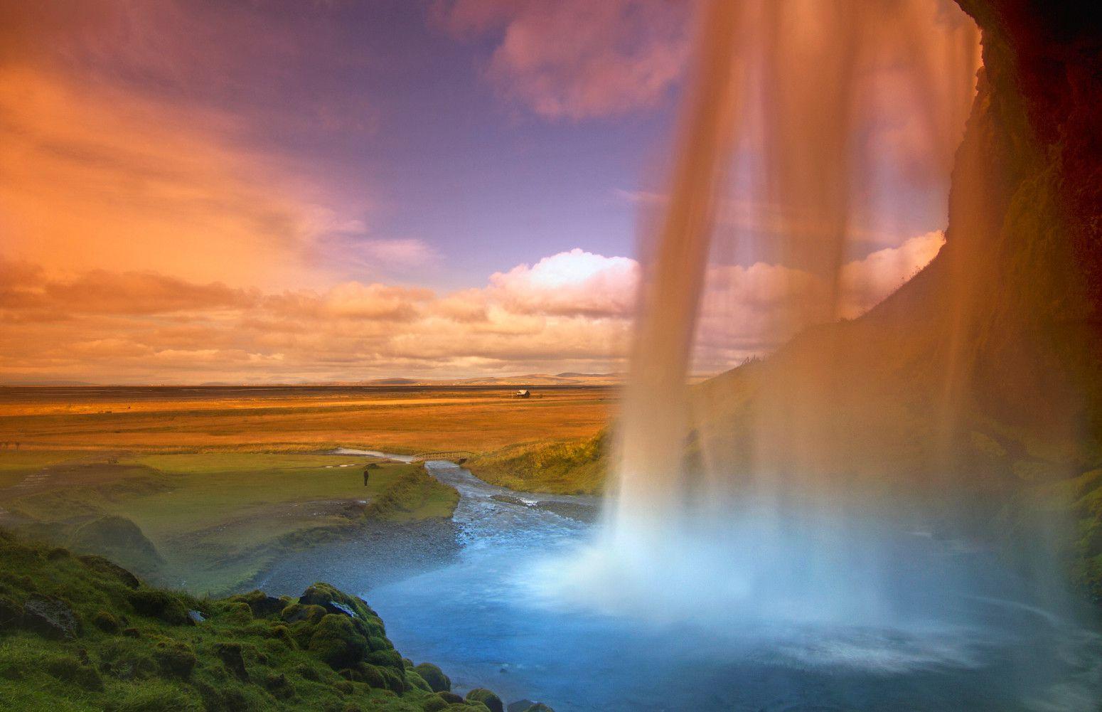 想像を遙かに超える美しさ!自然の作り出す芸術作品。世界の絶景スポット14選                当サイト内のおでかけ情報に関してこのまとめ記事の目次