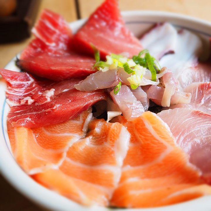"""おいしい海鮮丼が食べたい!人気観光地""""熱海""""の海鮮丼のお店7選"""