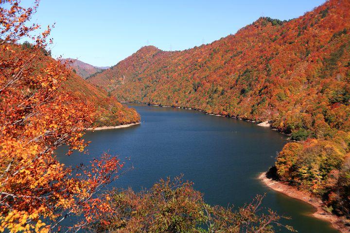 幻想的な自然美。癒される新潟の紅葉名所ランキングTOP5