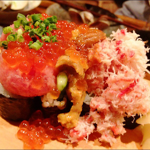 溢れる海鮮に感動の嵐!東京都内で絶品こぼれ寿司が食べられる7つのお店