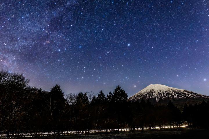 満天の星空と富士山を。キャンプに最適【山中湖】でおすすめのキャンプ場7選。