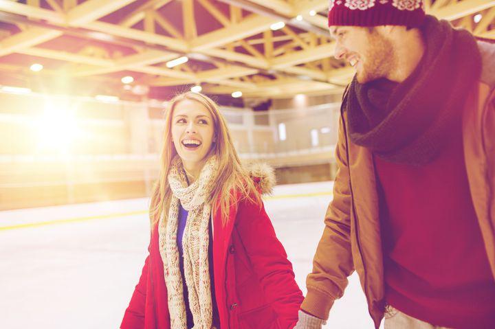 冬のデートの大定番。カップルで行きたい大阪近郊の「アイススケート場」8選