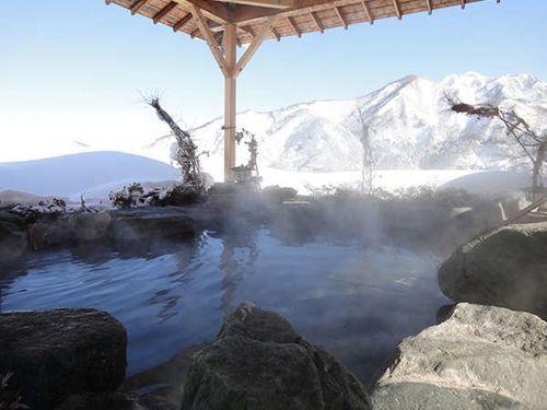 """大自然が織りなす絶景を堪能!温泉王国""""新潟""""でこの冬行きたい温泉20選"""