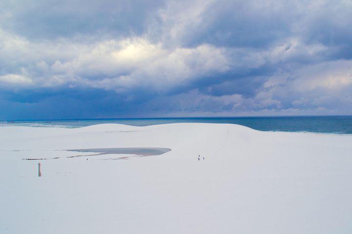 みんな、この絶景ご存知でした?実は「鳥取砂丘」の冬の絶景が凄すぎる