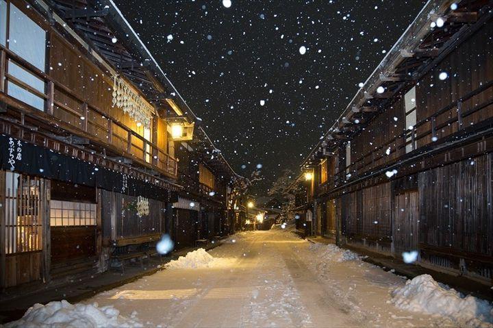 """非日常を訪ねて一人旅。センチメンタル漂う、日本の""""レトロな町並み""""10選"""