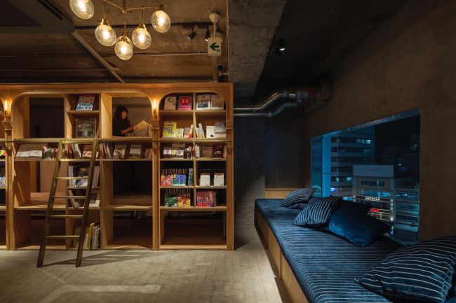 今話題の泊まれる本屋!「BOOK AND BED TOKYO」が新宿に登場