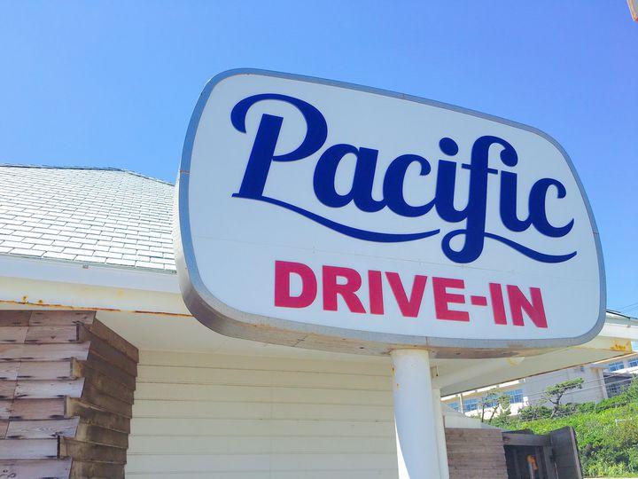 江の島グルメ Pacific DRIVE-IN 七里ヶ浜