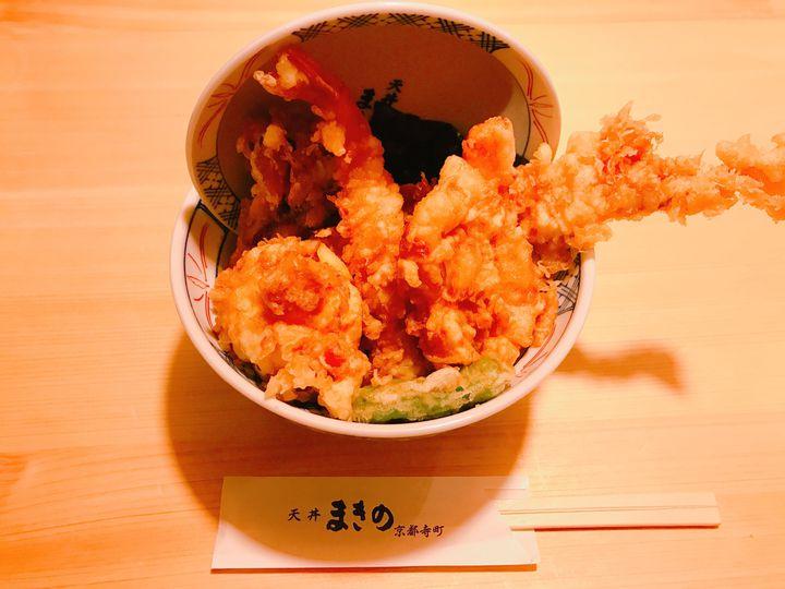 京都のボリューム満点グルメ!がっつり食べたい人におすすめの「丼グルメ」8選