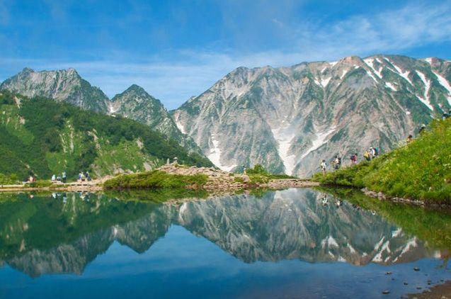 リフトで登る北アルプス。登山初心者でも絶景を堪能できる「八方池」とは