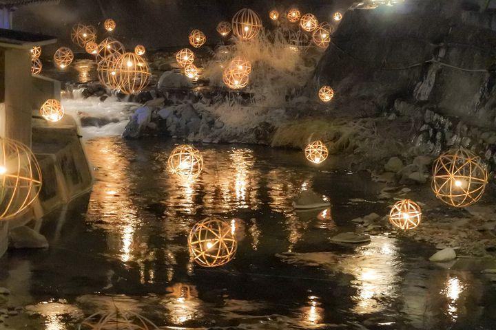 冬だからこそ行きたいんだ。ため息が出るほど美しい全国の雪×○○スポット集