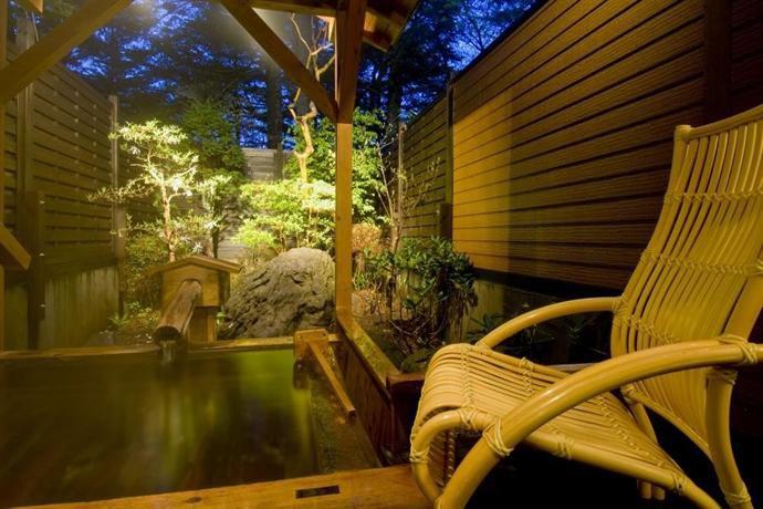 心も体も温まる。カップルで行きたい草津の温泉旅館10選