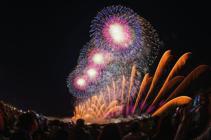 【終了】夏の終わりまで盛大に。「釧路大漁どんぱく花火大会」が北海道釧路市で開催
