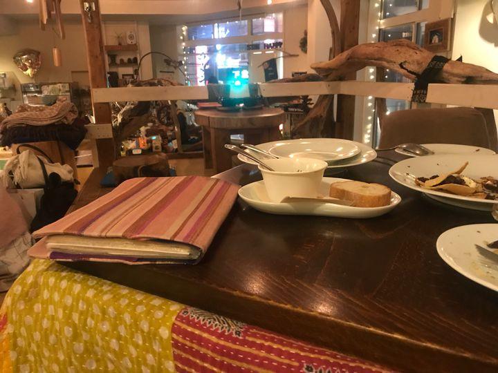 冬はほっこりぬくぬくデート。東京都内の「こたつカフェ」12店に注目