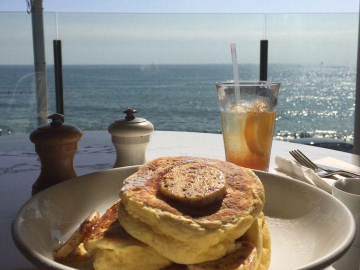 夏といえば海でしょ。東京から行ける海沿いのカフェ・レストラン7選