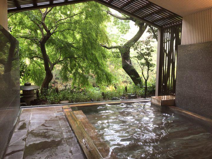 夏の思い出作りにぴったり!首都圏で「露天風呂付き客室」がある贅沢な宿7選