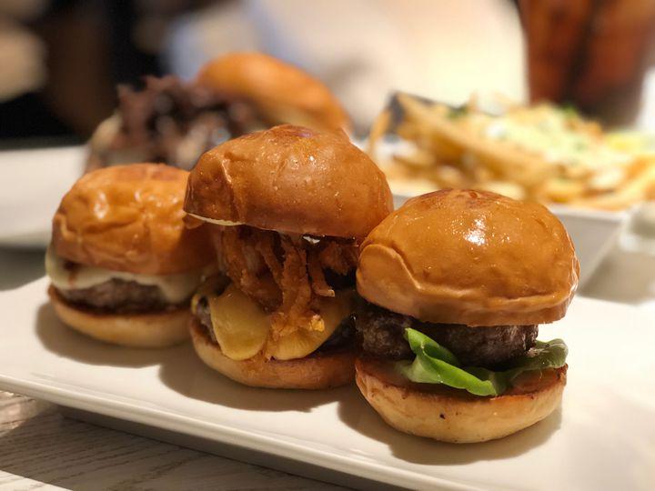 ミニチュア!?東京で小さなハンバーガー「スライダー」が食べられるお店を大公開
